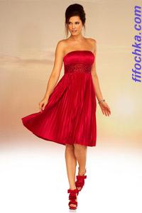 Платье с корсетом-резинкой и юбкой с множеством складок