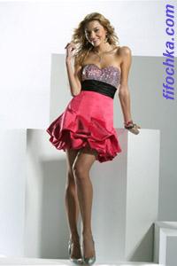 Многослойная оборка — прекрасное дополнение для коктейльнонго платья в 2012 году